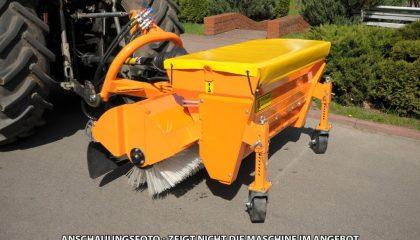 Anbaukehrmaschine mit Salz-Sand Streuanlage ZM-P16 (hydr.)