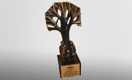Pronar - przedsiębiorca, który buduje pozytywny wizerunek Podlasia. Nasza firma została wyróżniona przez Izbę Handlowo-Przemysłową w Białymstoku nagrodą przyznawaną za szczególne osiągnięcia dla regionu w dziedzinie promocji podlaskiej oferty w branży maszyn rolniczych na arenie krajowej i międzynarodowej.