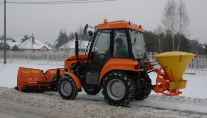 Tractor PRONAR 320AMK