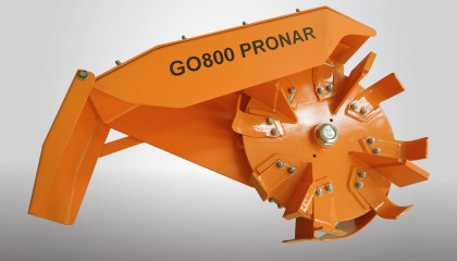 PRONAR GO800 ditch digger